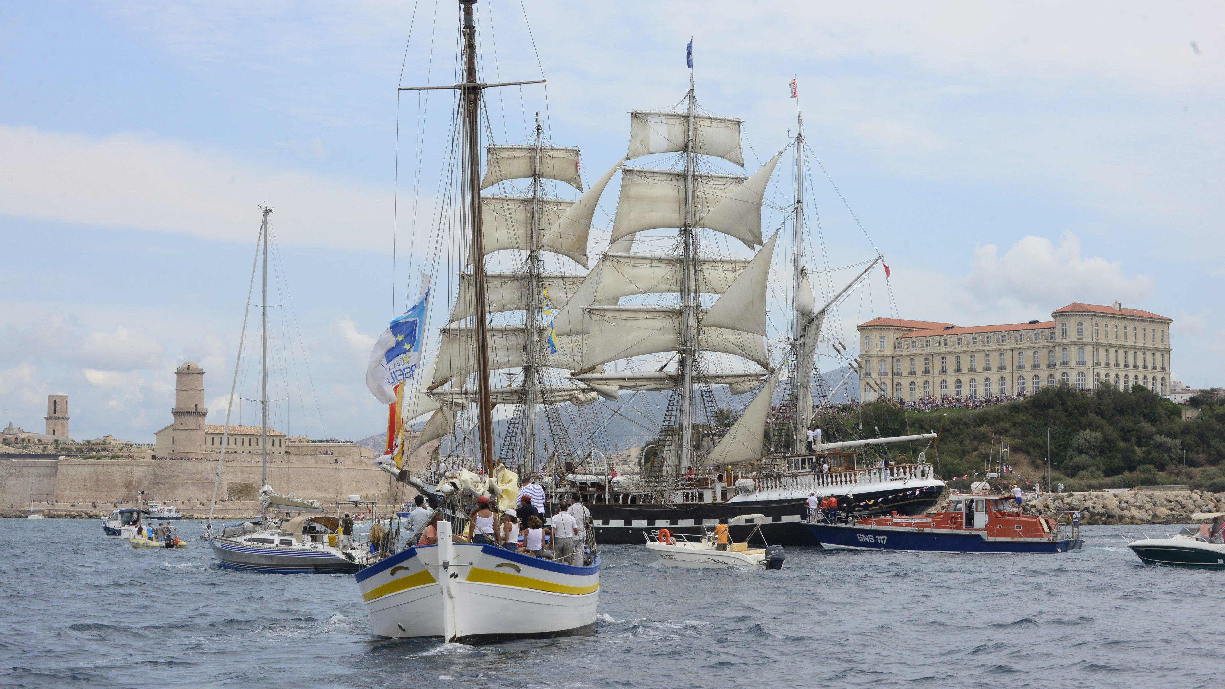 La Flâneuse et e Belem devant le Vieux-Port le 04 sept 2016
